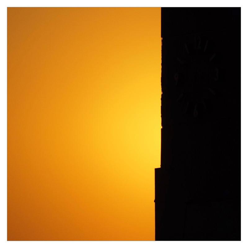 Hidden sun by leoatelier