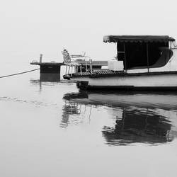 Gray day III by leoatelier