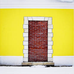 Door and wall by leoatelier