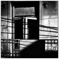 It's so dark inside by leoatelier