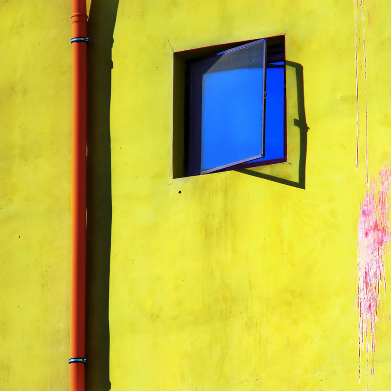 Blue escape by leoatelier