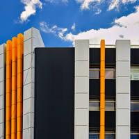 Urban contrasts by leoatelier