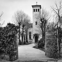 The gates are opened by leoatelier