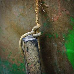Captivity by leoatelier