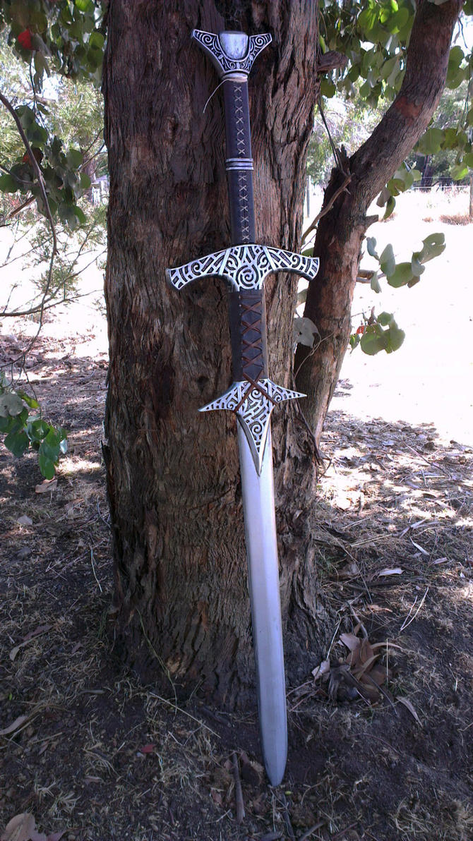 Skyrim Steel Greatsword Replica by TheAnti-Lily