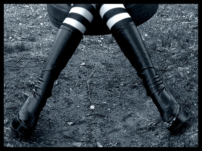 http://fc00.deviantart.net/images3/i/2004/115/f/6/high_heels.jpg