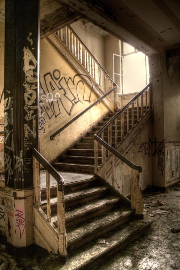 staircase by Karakuji