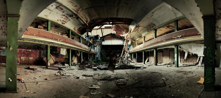 Beauty of Decay by Karakuji