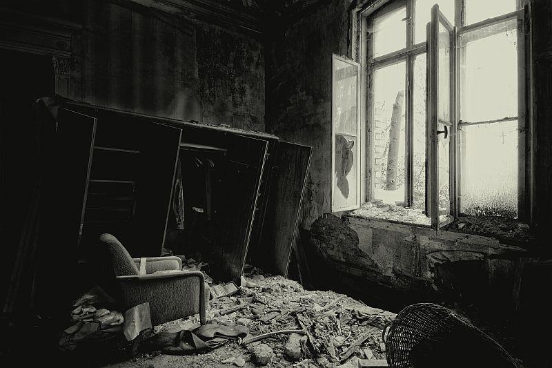 tristesse by Karakuji