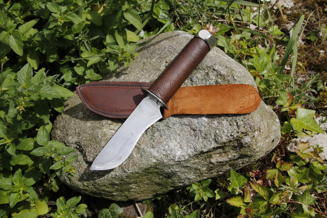 Survival Knife/torch by jaco-m