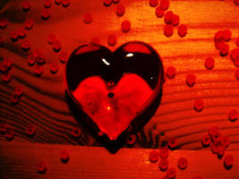 Glass Heart by KaroG