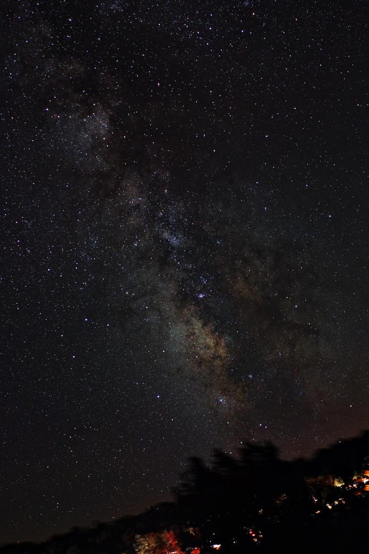 Grandview Milky Way by DoomWillFindYou