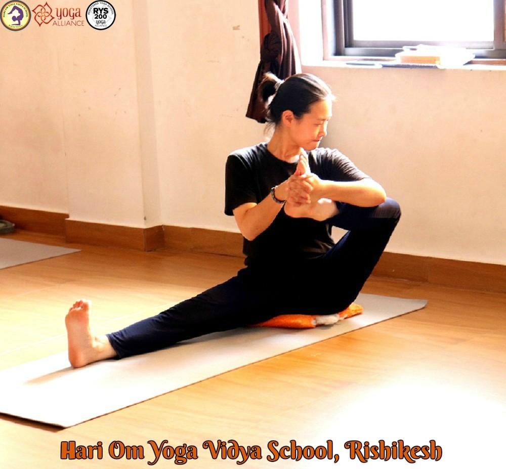 Yoga TTC in Rishikesh | Hari Om Yoga Vidya School