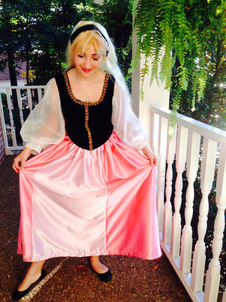 Princess Eilonwy Cosplay by MacaroniandSqueeze