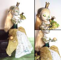 The Frogqueen - Monster High Lagoona custom by fuchskauz