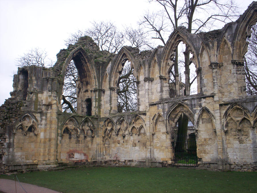York ruins by Holsmetree