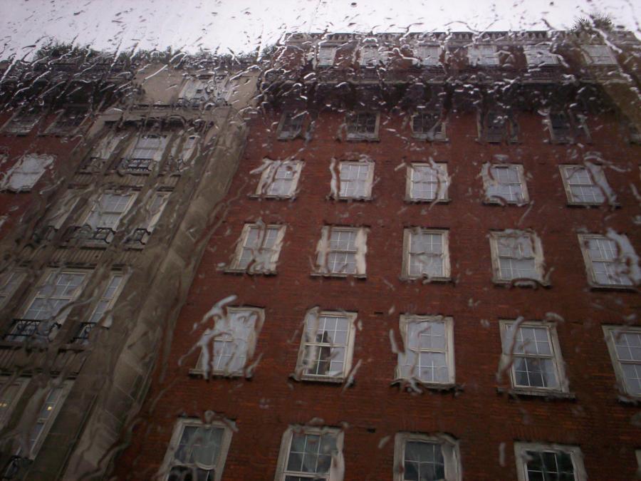 Rain and building by Holsmetree