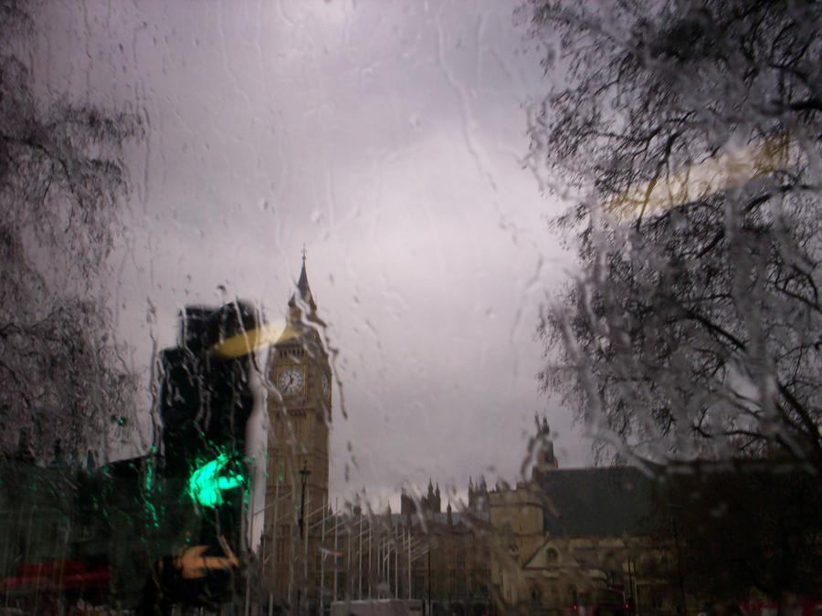 Big Ben and A TRAFFIC LIGHT by Holsmetree