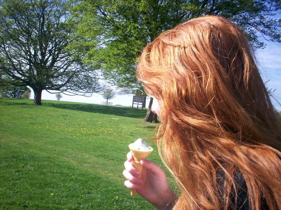 Ice cream by Holsmetree