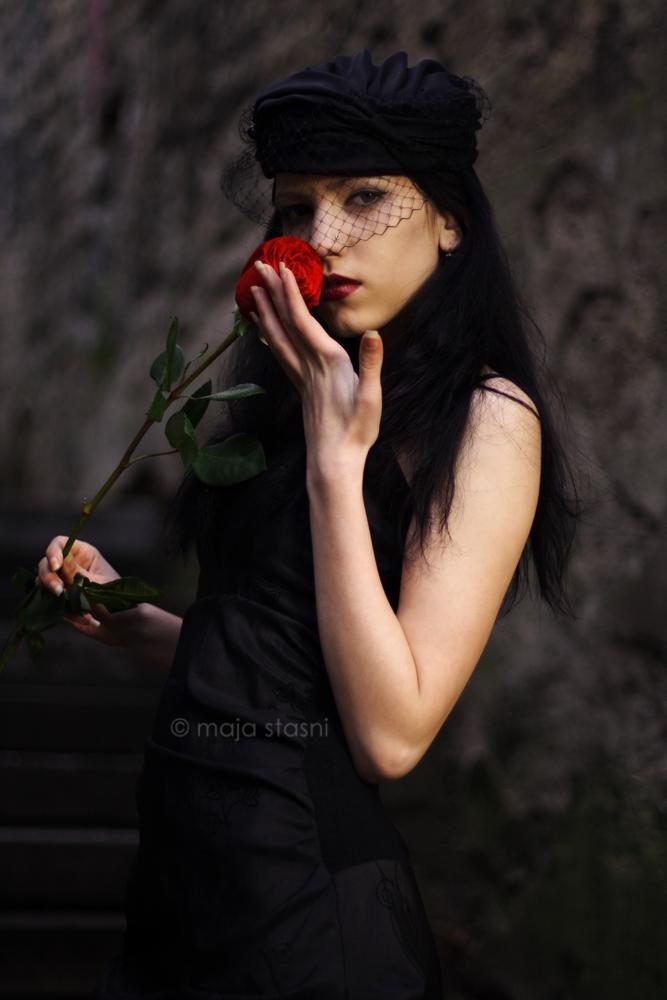 Рози в стил Готика