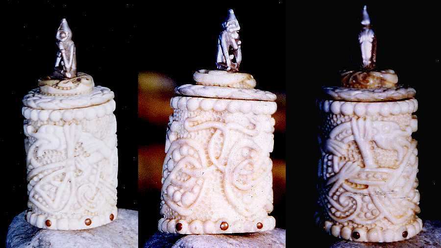 Norse mammen style pyxis by Bonecarverpm