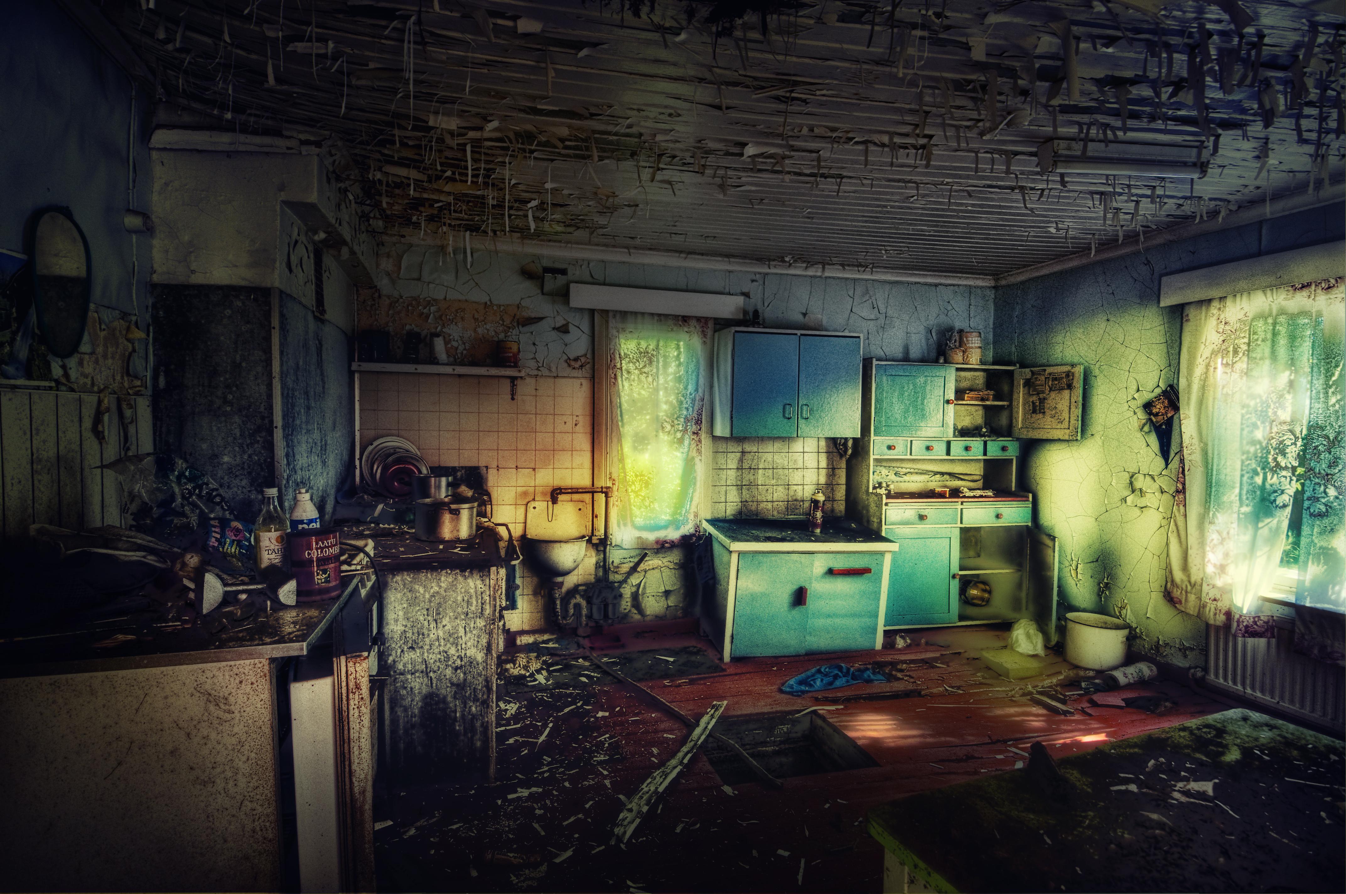 ...the abandoned house by SAMLIM