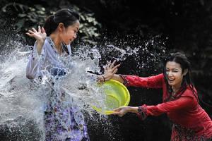 Splashing Fun - 36 by SAMLIM