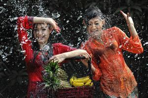 Splashing Fun - 47 by SAMLIM