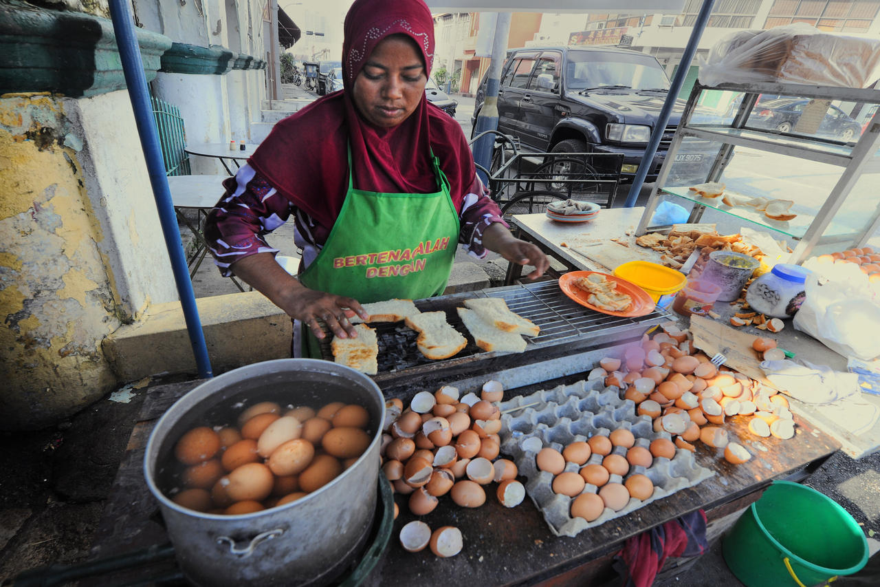 Traditional Street Breakfast - 7 by SAMLIM