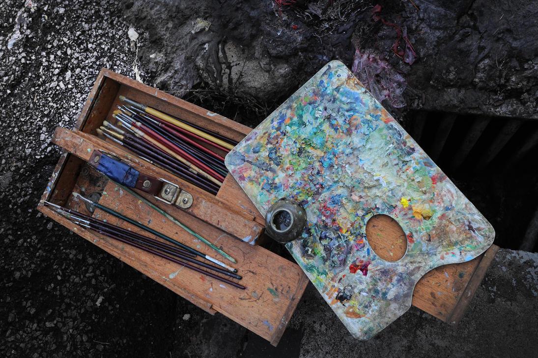 Street Artist - 3 by SAMLIM