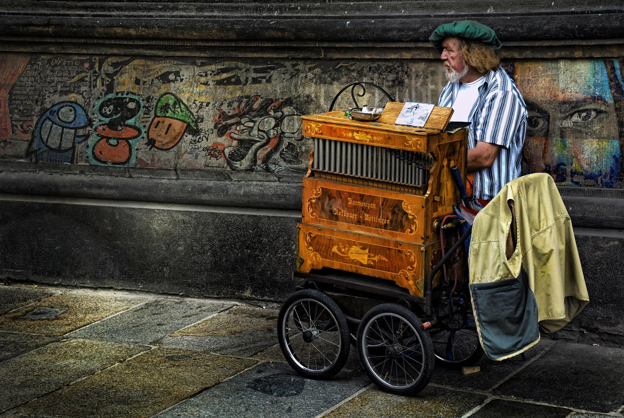 The Lonely Harmonium by SAMLIM