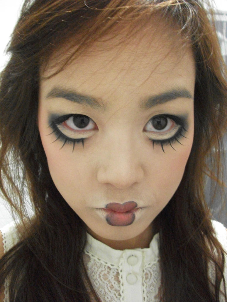 creepy doll halloween makeup by puchugrz