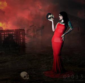 Queen of Darkness - Red