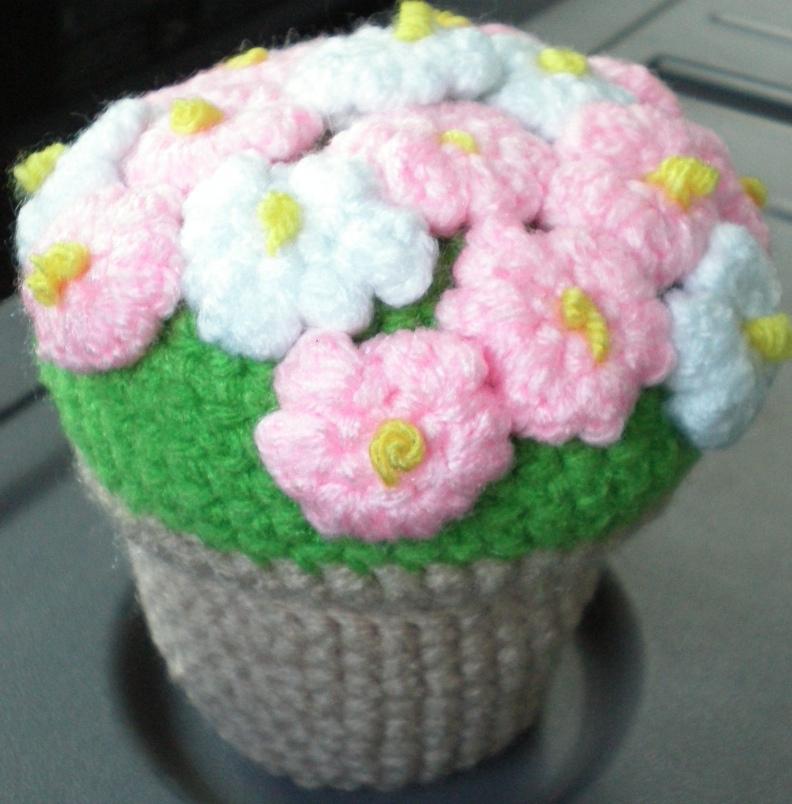 Amigurumi Flower : Amigurumi flower pot by subakamoo on deviantart