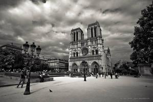 Notre Dame de Paris by jpgmn
