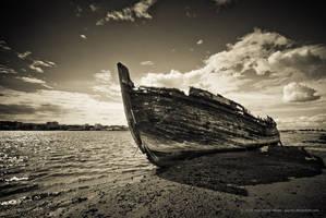 Old Boat by jpgmn