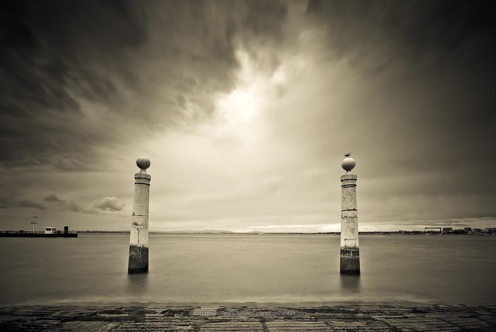 Cais das Colunas by jpgmn