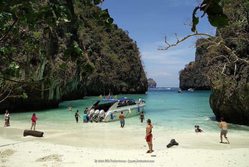 Phi Phi Islands by jpgmn