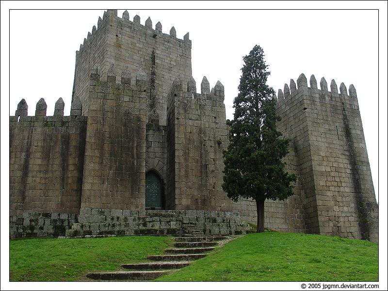 Guimaraes Castle by jpgmn