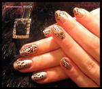 Butterflies in grass -nail-art