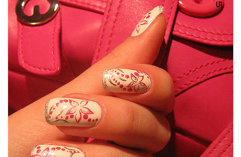 Escada.Pink flower-2 -nail-art by Shangova