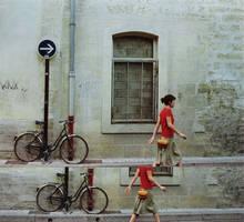 dans la rue . by let-it-di