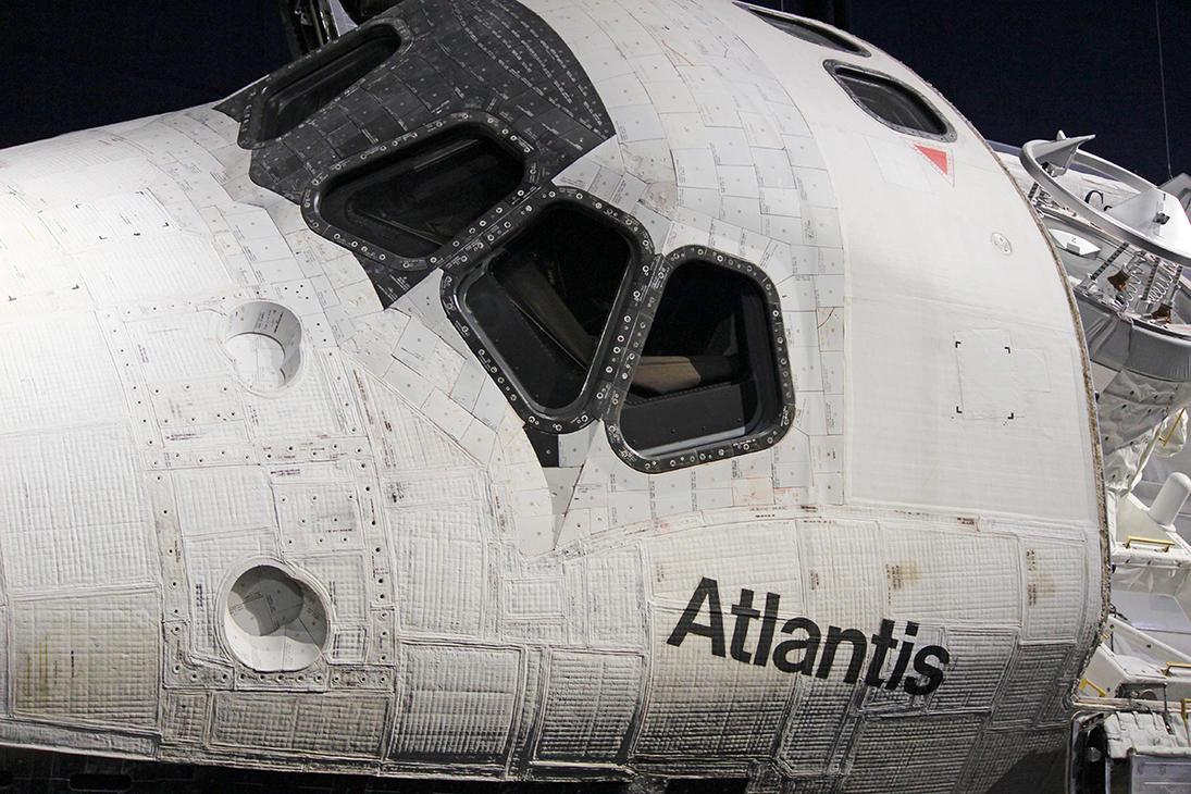 Space Shuttle Atlantis Cockpit by winterface