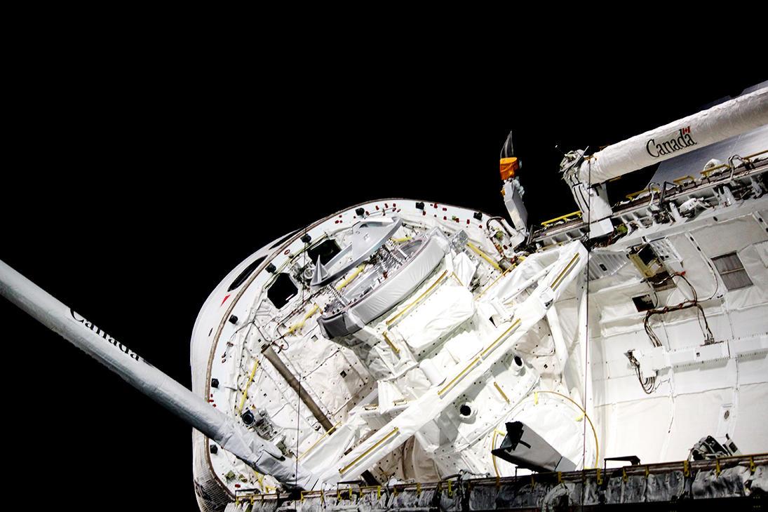 Open Cargo Bay Doors on the Space Shuttle Atlantis by winterface