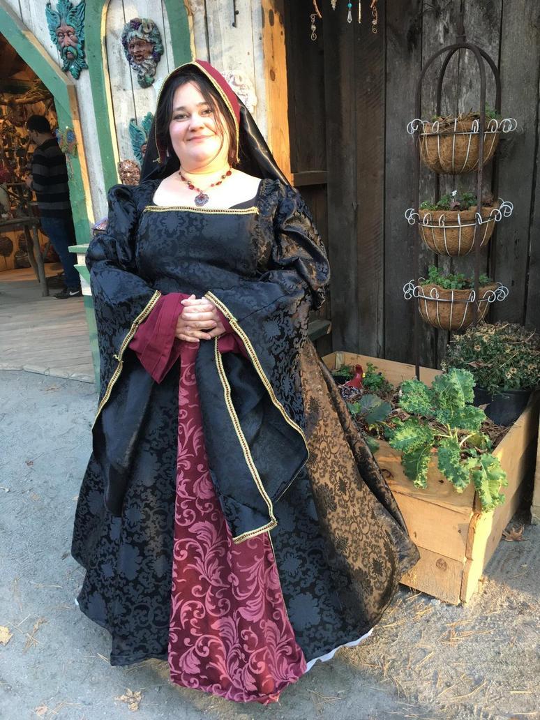 Tudor Gown by AmberAmethyst on DeviantArt