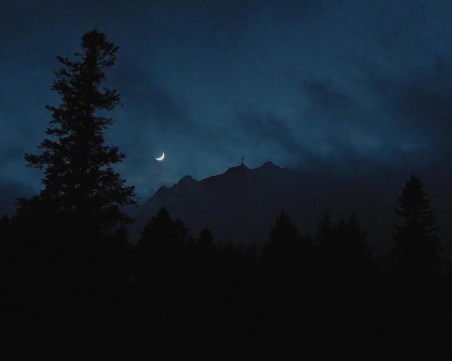 winter moon by licurel