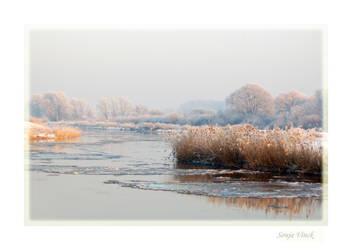 Bending icy river by Lentekriebel