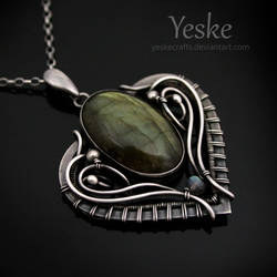 Miriel | Labradorite necklace II by YeskeCrafts