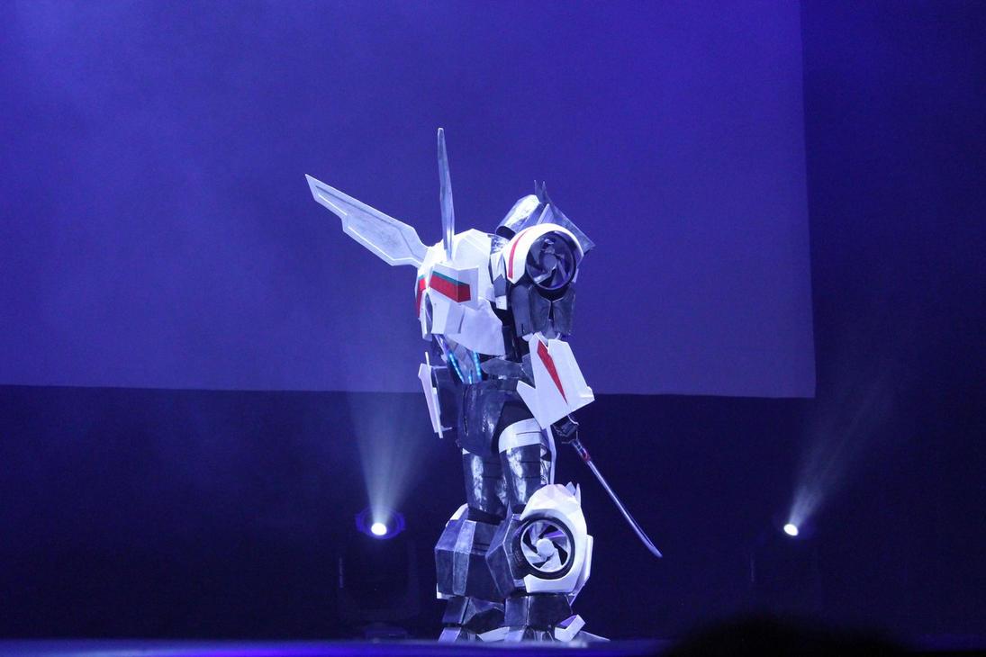 Wheeljack on stage2) by FemochkO-Ferry