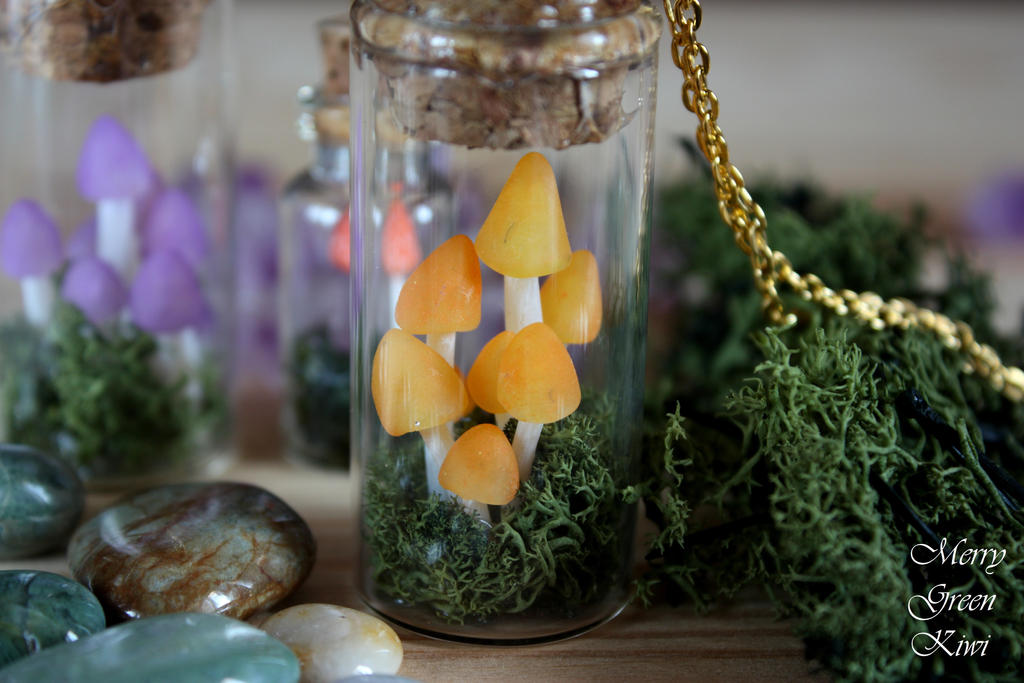 Mushroom pendant by MerryGreenKiwi
